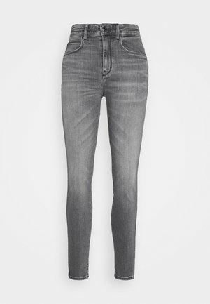 WET - Jeans Skinny Fit - grau