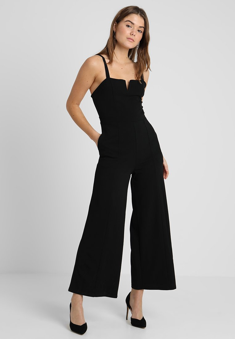 Even&Odd - OCCASION - V DETAIL NECK SLEEVELESS JUMPSUIT - Jumpsuit - black