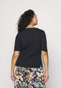 Lauren Ralph Lauren Woman - JUDY ELBOW SLEEVE - Basic T-shirt - navy - 2