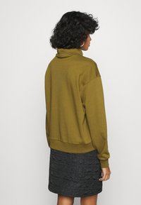 Vero Moda - VMMERCY ROLL NECK - Sweatshirt - fir green - 2