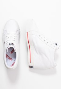 Tommy Jeans - NICE WEDGE - Joggesko - white - 3