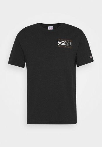 BACK FLAG TEE UNISEX - T-shirt med print - black