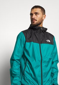 The North Face - MENS CYCLONE 2.0 HOODIE - Veste imperméable - black/fanfare green - 3