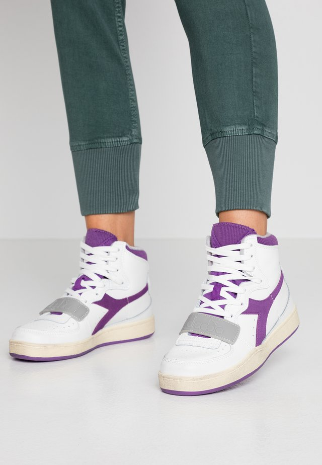BASKET USED - Sneakers alte - white/imperial lilac