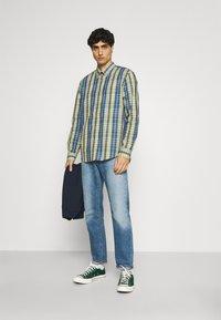 Ben Sherman - POP TARTAN CHECK - Overhemd - mood indigo - 1