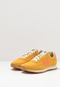 New Balance - 720 - Baskets basses - yellow/orange - 2