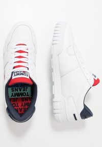 Tommy Jeans - RETRO - Trainers - white - 1