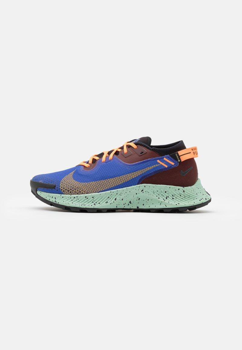 Nike Performance - PEGASUS TRAIL 2 GTX - Chaussures de running - mystic dates/laser orange/astronomy blue/black/total orange/pistachio frost