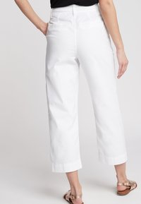 Next - CROPPED - Trousers - white - 1