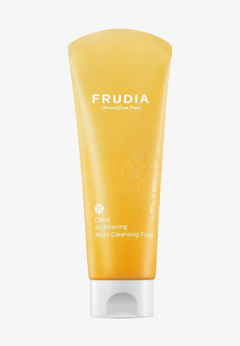 FRUDIA - CITRUS BRIGHTENING MICRO CLEANSING FOAM - AUFHELLENDER ZITRONEN  - Cleanser - -