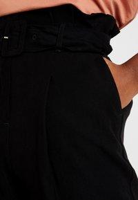 New Look - IRIS UTILITY TROUSER - Stoffhose - black - 5