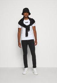 Iceberg - Print T-shirt - bianco ottico - 1