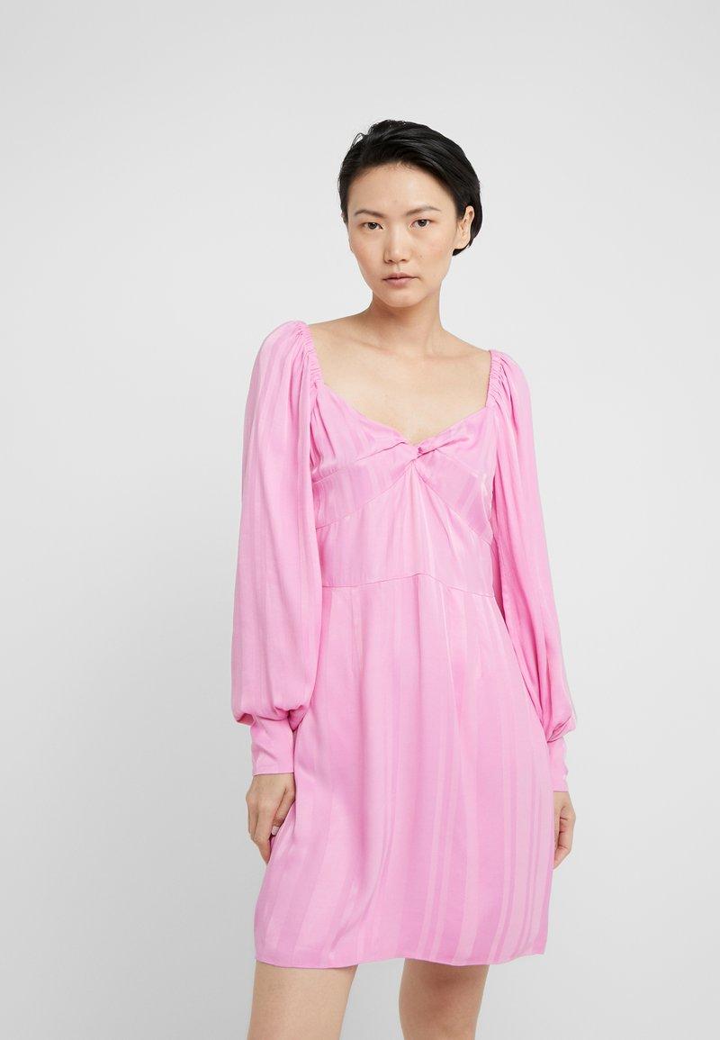 Hofmann Copenhagen - ALISA - Vapaa-ajan mekko - begonia pink