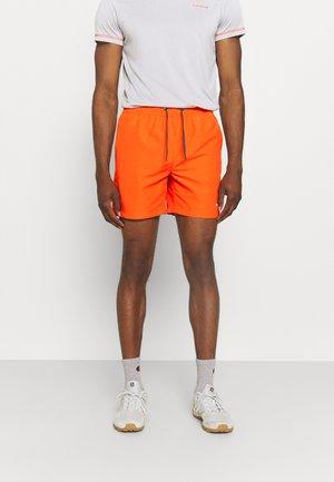 MELSTONE - Shorts outdoor - dark orange