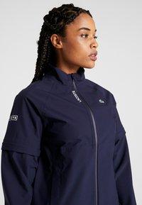 Lacoste Sport - HIGH PERFORMANCE JACKET 2 IN 1 - Outdoorová bunda - navy blue/white - 4