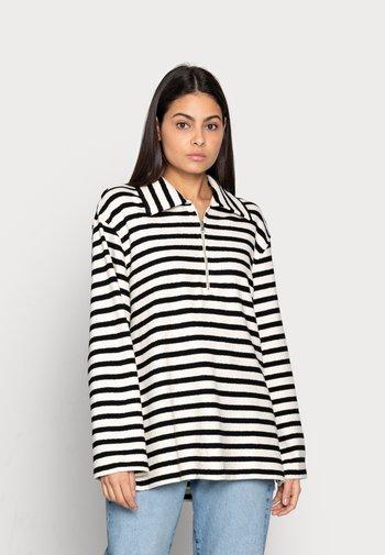 Sweatshirt - offwhite/black