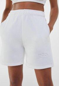 Bershka - Shorts - nude - 3