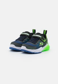 Skechers - THERMOFLUX 2.0 - Tenisky - black/blue/lime/charcoal - 1