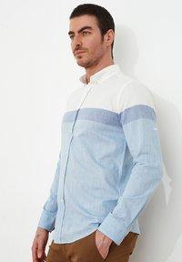 Trendyol - Camisa - white - 2