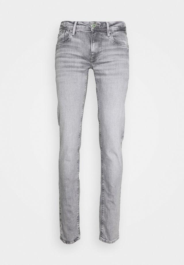 HATCH - Jeans Slim Fit - new denim