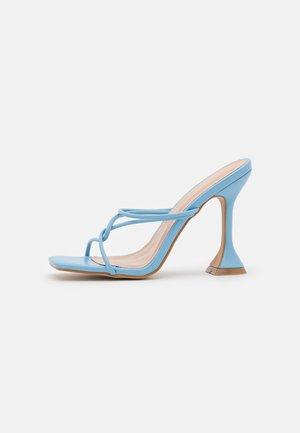 ENSLEY - Pantofle na podpatku - blue