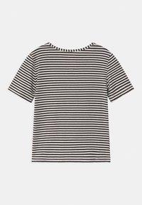 WAUW CAPOW by Bangbang Copenhagen - ICE ICE BABY - Print T-shirt - black/white - 1