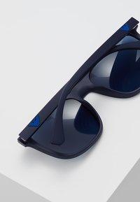 Emporio Armani - Sluneční brýle - matte blue - 4