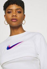 Nike Sportswear - CROP  - Long sleeved top - white - 3