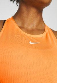 Nike Performance - TANK ALL OVER  - Funktionstrøjer - laser orange - 5