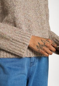 ONLY - ONLTATA - Jumper - simply taupe - 4