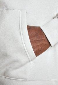 Nike Sportswear - CLUB HOODIE - Hættetrøjer - vast grey - 5