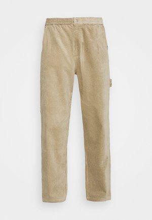 CARPENTER PANT - Kalhoty - sand