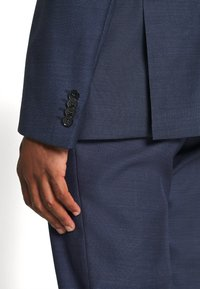 Calvin Klein Tailored - SPECKLED SUIT - Suit - blue - 9
