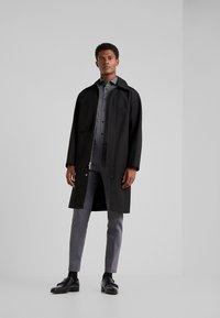 DRYKORN - SOLO - Zakelijk overhemd - dark grey - 1