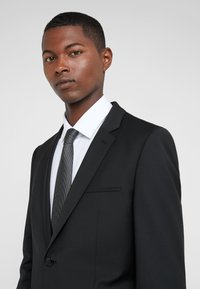 HUGO - ARTI HESTEN - Suit - black - 10