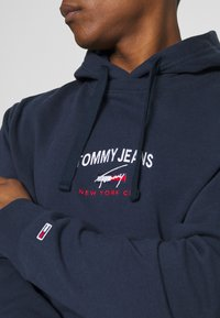 Tommy Jeans - TIMELESS HOODIE UNISEX - Sweat à capuche - twilight navy - 3