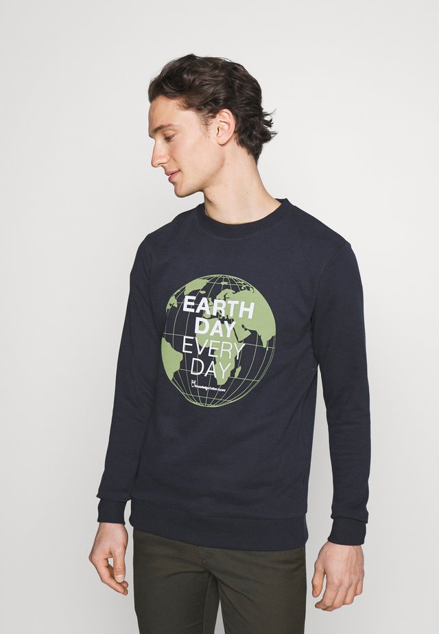 EARTHDAY EVERYDAY GLOBE CREW NECK - Felpa - total ecplise