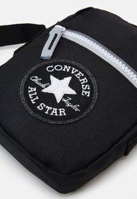 Converse - FESTIVAL CROSSBODY - Skuldertasker - black - 3