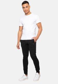 Threadbare - NATHAN - Pantalones deportivos - black - 1