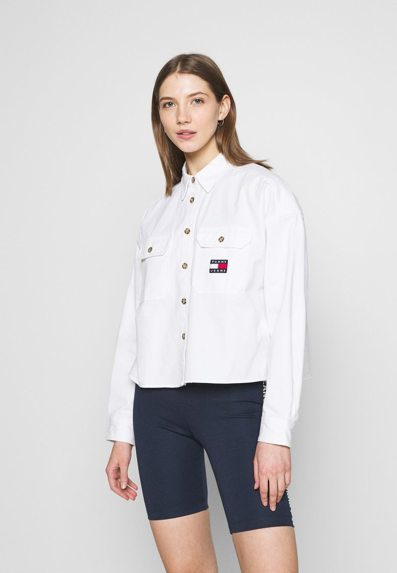 Tommy Jeans - CROPPED UTILITY - Camisa - white