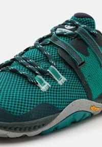 Merrell - TRAIL GLOVE 6 - Zapatillas de trail running - marine - 5