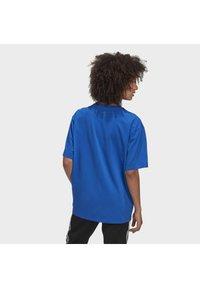 adidas Originals - ADICOLOR 3D TREFOIL T-SHIRT - T-Shirt print - blue - 1