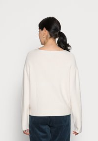 Marc O'Polo - LONGSLEEVE MODERN WIDE FIT RICE CORN STRUCTURE - Jumper - chalky sand - 2