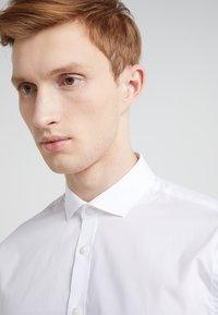 Tiger of Sweden - FILLIAM SLIM FIT - Formal shirt - white - 4