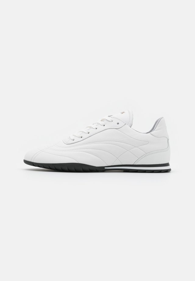 SAN SAI - Zapatillas - white