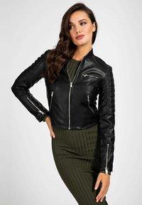 Guess - RIPP-KRAGEN - Faux leather jacket - schwarz - 0