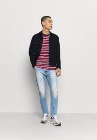 Tommy Jeans - DAD STRAIGHT - Jeans straight leg - barton light blue comfort - 1