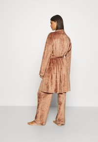 Underprotection - SOPHIE ROBE - Dressing gown - clay - 2