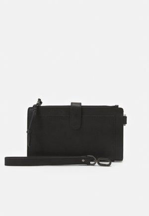 SIIVY - Wallet - black