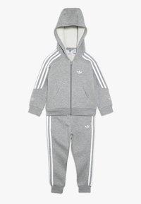 adidas Originals - OUTLINE HOODIE - Tepláková souprava - medium grey heather/white - 0